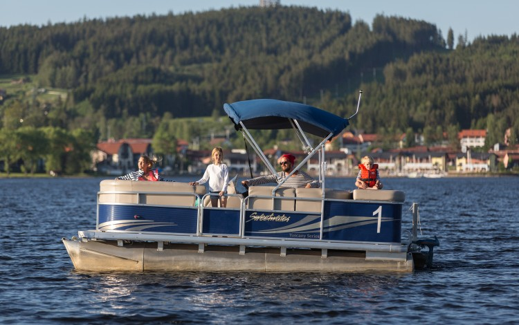 Become a captain and set out on the surface of Lipno