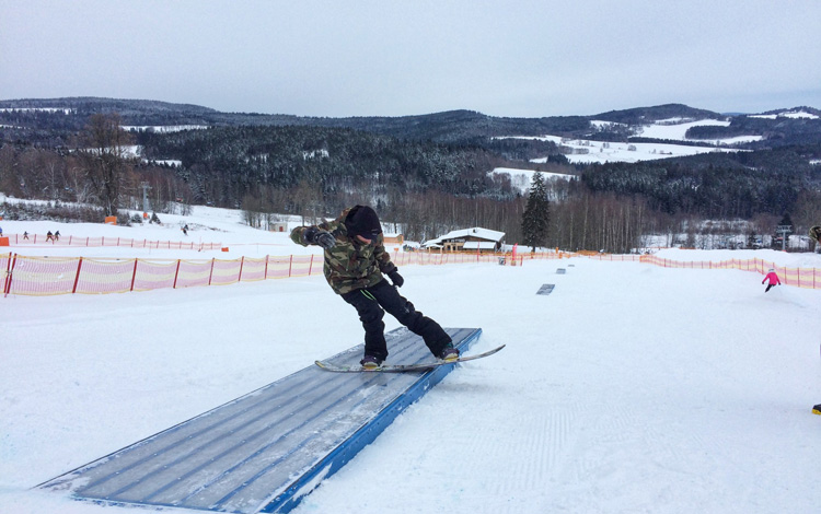 Freestyle lessons for snowboarders